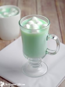hot chocolate recipe made with white chocolate and mint! creamy ...