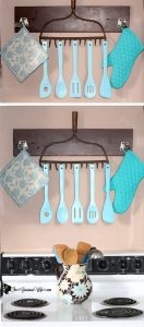 Upcycled Old Rake to Utensil Holder - an easy DIY craft for home decor in the kitchen .  Love these colors!