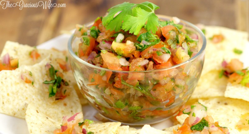 BEST Easy Pico de Gallo recipe - Yes! Homemade is always better!
