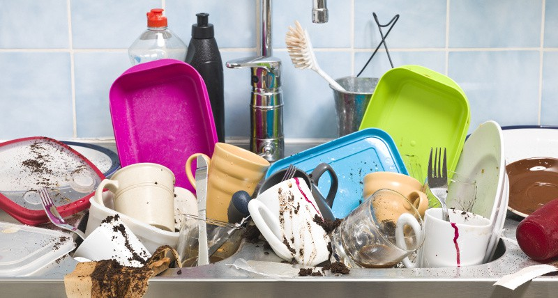 If you're cleaning for company, you absolutely MUST make sure these 11 commonly missed cleaning spots are tidied up and spotless! Helpful household cleaning tips and tricks
