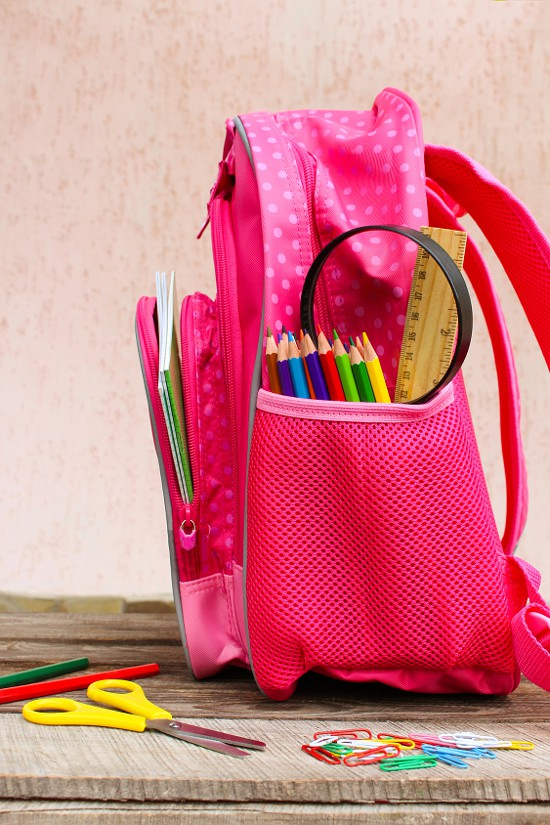 How to Get and Keep Your Kids Organized this School Year - 6 Easy Tips!Jump into the school year the right way by getting and staying organized with these 6 tips for how to keep your kids organized this school year for a happier, healthier year! Just what we needed!