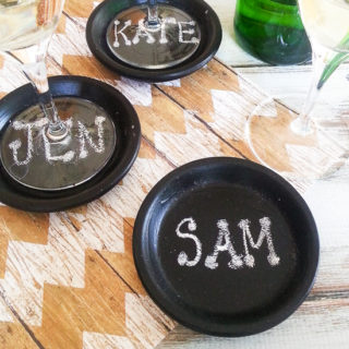 How to Make Easy DIY Chalkboard Coasters { TUTORIAL} -These easy DIY Chalkboard Coasters are perfect for daily use, parties, and even make pretty table settings. Make these fun coasters with this simple, easy-to-follow tutorial. So cute!