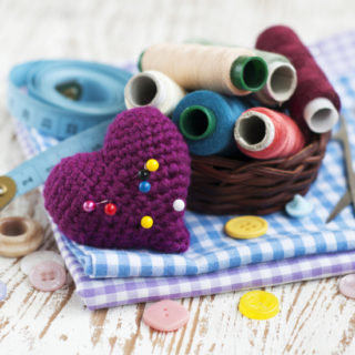 56 Quick and Easy Sewing Projects for Beginners -If you're new to sewing or just need a quick project to pass the time, try these 56 cute, fun, and EASY sewing projects that are perfect for beginners. Get started with these easy sewing tutorials and be done in no time. These are super cute!