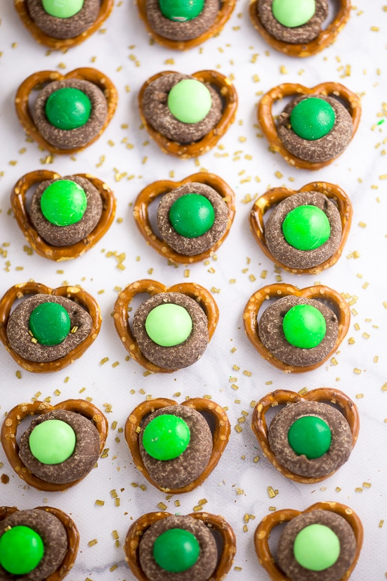Mint Chocolate Pretzel Bites Recipe -Quick and easy, these Mint Chocolate Pretzel Bites, with just 3 ingredients, make a festive sweet and salty treat perfect for St Patrick's Day!