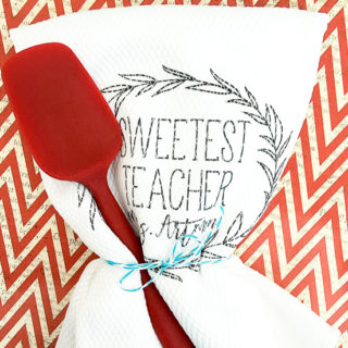 DIY Sweetest Teacher Gift idea -Thank your favorite teacher with this easy, cute, and frugal DIY Sweetest Teacher Gift idea that's simple to make and sure to make her smile! Easy and cheap DIY teacher gift idea