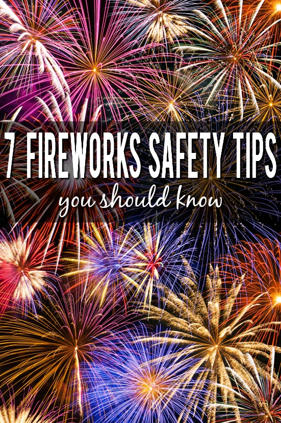 7 Fireworks Safety Tips You Should Know -Have a fun, exciting, and most importantly safe celebration with these 7 important fireworks safety tips you should know. Summer | Parenting tips