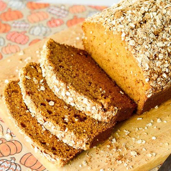 Pumpkin Bread with Cinnamon Oat Topping
