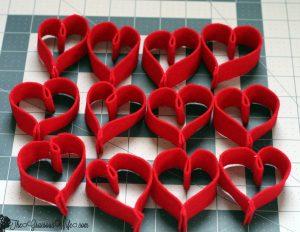 Valentine's Day Heart Felt Garland- Easy and frugal DIY heart felt garland for Valentine's Day. From TheGraciousWife.com
