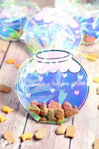DIY Fishbowl Valentine Printable - Cute homemade Valentine's Day idea for kids to make for school.  Plus FREE printables to make your own at home! So cute!