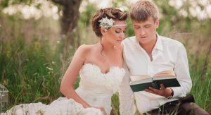 10 Best Marriage Books - Love these! These books have great marriage advice for solving problems and keeping a happy marriage!