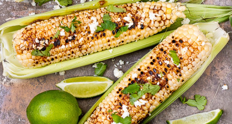 Tons of Easy Corn Recipes - on the cob, grilled, salad and MORE. These tasty corn recipes are great side dish recipes for summer, bbq, or cookouts. |easy vegetable side dish recipes |