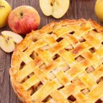 15 Pretty Ways to Finish Pie Crust Edges