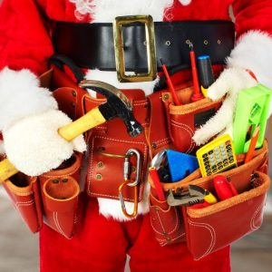 Christmas gifts and stocking stuffers ideas for men.25 Stocking Stuffer Ideas for Men, all under $10. Fill your man's stocking with goodies he'll love with these fun, practical, and manly Stocking Stuffer ideas for men.