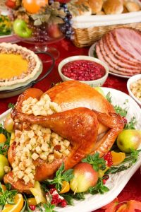 Make your Thanksgiving dinner food amazing and go off without a hitch with these Must Have Kitchen Tools for a perfect Thanksgiving dinner! If you're hosting Thanksgiving dinner this year, make sure you have all the right supplies!