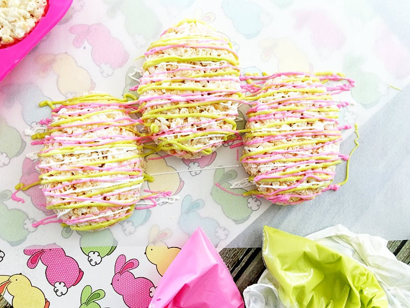 Easter Egg Rice Krispie Treats - Cute, bright Easter Egg Rice Krispie Treats are a fun and easy no bake Easter dessert recipethat can be made in just 20 minutes. The kids will love these!