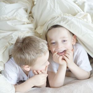 Ways to Help Kids Fall Asleep easier at night, and go to bed without a fight.Make bedtime with the kids easier and better with a simple bedtime routine and these 10 easy tips and ways to help kids fall asleep at night. | Parenting | Kids
