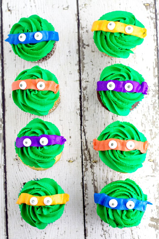 Teenage Mutant Ninja Turtles Cupcakes tutorial.  Make easy, fun, and adorable Teenage Mutant Ninja Turtles Cupcakes using your favorite cupcakes and buttercream. Turtle Power! OMG! My boys would love these!