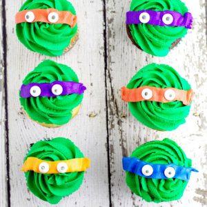 Teenage Mutant Ninja Turtles Cupcakes tutorial. Make easy, fun, and adorable Teenage Mutant Ninja Turtles Cupcakes using your favorite cupcakes and buttercream. Turtle Power! OMG! My boys would love these!