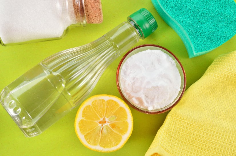 Household Uses for Vinegar -Vinegar is extremely versatile product that you already have in your home! Check out these ingenioushousehold uses for vinegar from cleaning to freshening and so much more.   cleaning   tips   hacks   natural