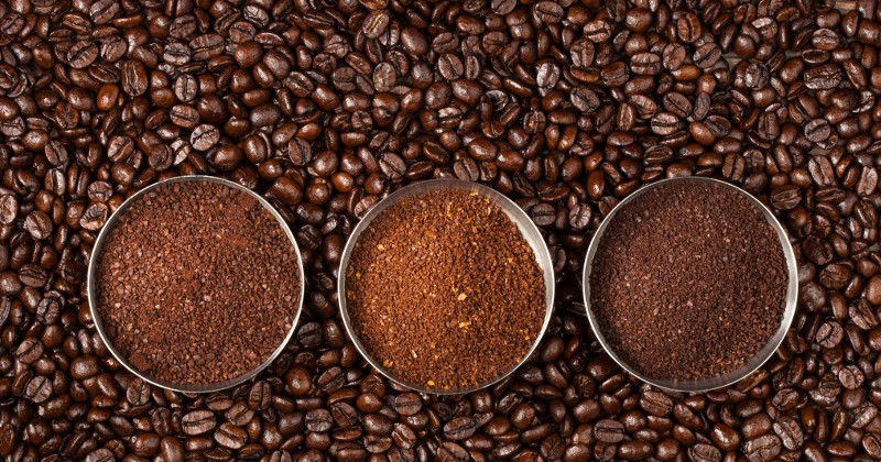 10 Ingenious Uses for Coffee Grounds -Don't throw away your coffee grounds! You can use them again with these 10 ingenious uses for coffee grounds around the house!
