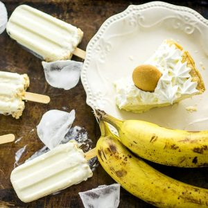 Pie-Inspired Summer Treats Recipes - Keep cool this Summer with these 4 pie-inspired Summer treats that are quick and easy no bake dessert recipes, each with only 5 ingredients or less! Including Banana Cream Pie Milkshakes, Banana Cream Pie Popsicles, Mudslide Milkshake Mocktails, and Creamy Chocolate Pie Pops.
