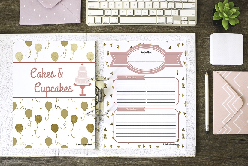 How to Make a Recipe Binder with Free DIY Recipe Binder Printables -Organize all of your favorite recipes and recipes you want to try in one cute place with these cute, pretty, and practical DIY Recipe Binder Printables in 4 different colors.