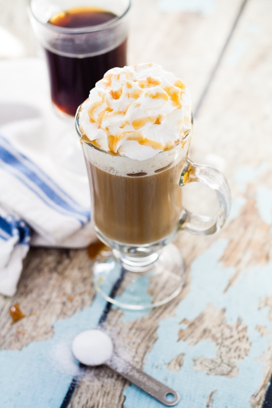 Homemade Salted Caramel Coffee Creamer Recipe -Take your coffee to the next scrumptiously sweet level with this Homemade Salted Coffee Creamer recipe with all the sweetness of salted caramel right in your coffee.