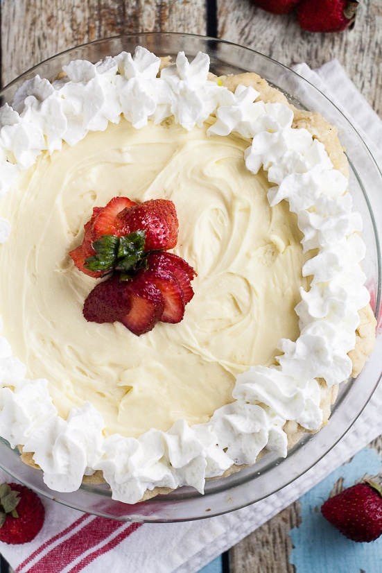 White Chocolate Silk Pie Recipe -This White Chocolate Silk Pie recipe is a creamy white chocolate version of a classic chocolate French silk pie. Dress it up with peppermint or cranberries for the holidays or eat it as is. It's heavenly either way!