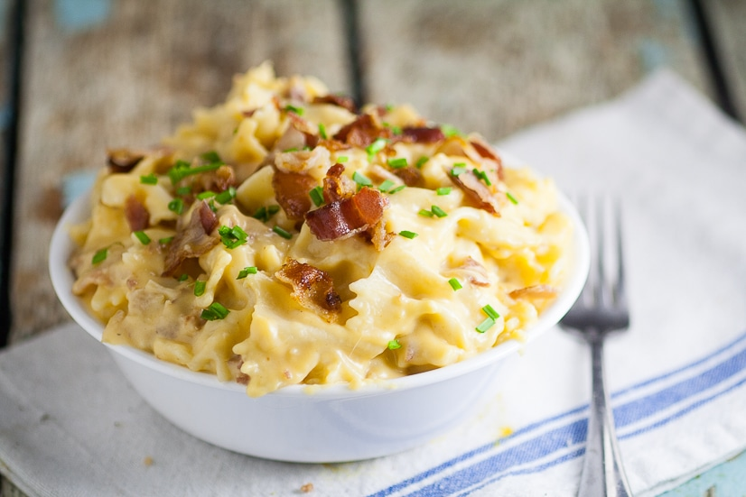 Bacon Cheddar Bow Ties Recipe -Take comfort food to the next level with this easy and cozy Bacon Cheddar Bow Ties recipe. A childhood favorite, grown-up style! Perfect, delicious and EASY pasta recipe for family dinner!