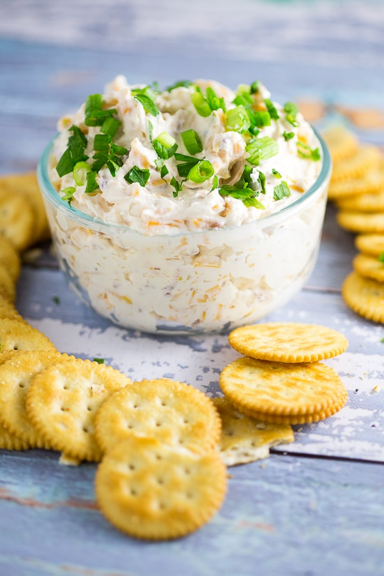 Cheddar Bacon Garlic Dip Recipe -Three favorite flavors come together in this simple but amazing Cheddar Bacon Garlic Dip recipe, with cheddar cheese, bacon, and garlic, in a creamy cream cheese dip.