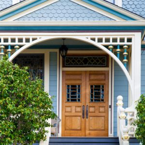 Top 5 Best Investments When Renovating an Older Home -Confused on where to start renovating your older home? Some projects are worth more when selling than others, and some will even pay you back! Check out these top 5 best investments when renovating an older home to get started on the right track. DIY Farm house renovation