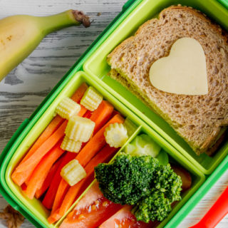 How to Keep Your Child from Trading Their Lunch Away - Make healthy, delicious, and fun school lunches for your kids that they'll actually want to eat with these 6 Tips to Keep Your Child from Trading Their Lunch Away. Parenting tips