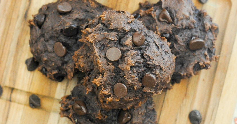 Chocolate Pumpkin Cookies Recipe -Make these rich and soft 3 ingredient Chocolate Pumpkin Cookies in just 25 minutes to satisfy both your decadent chocolate and smooth pumpkin cravings! These sound so good! I love pumpkin and chocolate!