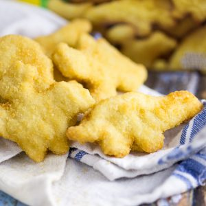 8 Ways to Transform Chicken Nuggets into Dinner in 5 Ingredients or Less -Use these8 Ways to Transform Chicken Nuggets into Dinner in 5 Ingredients or Lesswith 8 different easy recipes to change up a favorite into a quick and easy family dinner.